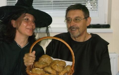 Čarodejnica a Mních.Varázslónő és Apát. Witch and a Monk